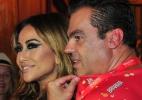 Sabrina Sato e Marco Antonio de Biaggi posam para foto em camarote - Marcelo Dutra/AgNews