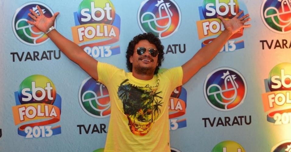 12.fev.2013: Léo Maia, filho de Tim, viu os trios do camarote do SBT