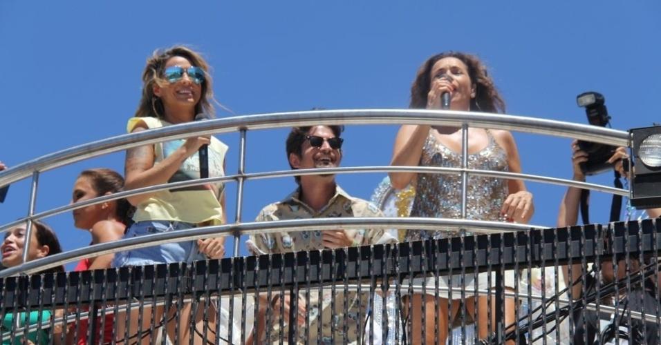 13.fev.2013 - Alinne Rosa, Saulo Fernandes e Daniela Mercury se apresentam no arrastão de quarta-feira de cinzas do Carnaval de Salvador