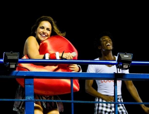13.fev.2013 - Daniela Mercury agita os foliões do circuito Dodô com o bloco Crocodilo, no Carnaval de Salvador