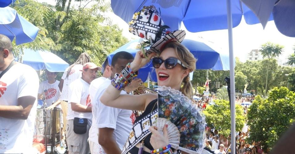 13.fev.2013 - Mariana Ximenes foi eleita a musa do bloco Me Beija que Sou Cineasta, que desfilou na zona sul do Rio
