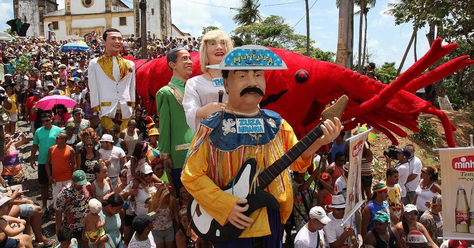 13.fev.2013 - O bloco Bacalhau do Batata foi fundado em 1962 por um garçom inconformado com o fim da folia