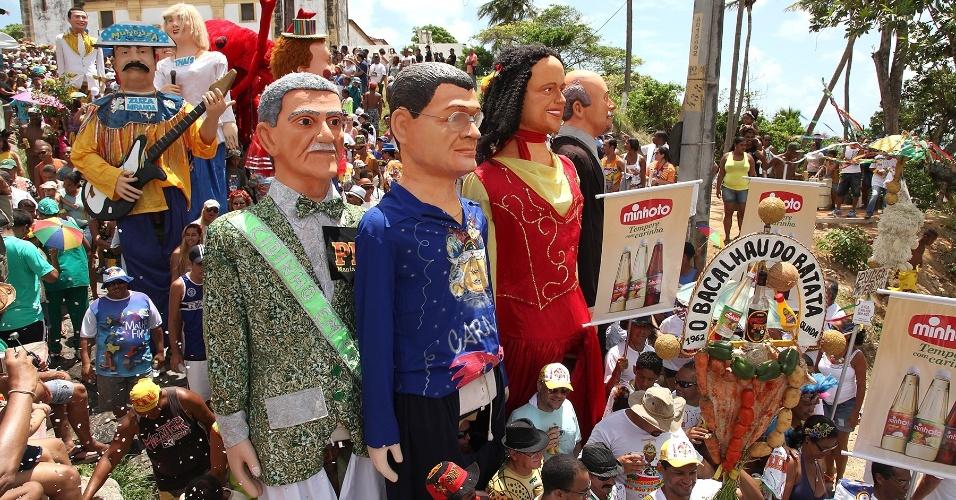 13.fev.2013 - O bloco é tradicional e recebe foliões pelas ladeiras do Sítio Histórico da cidade