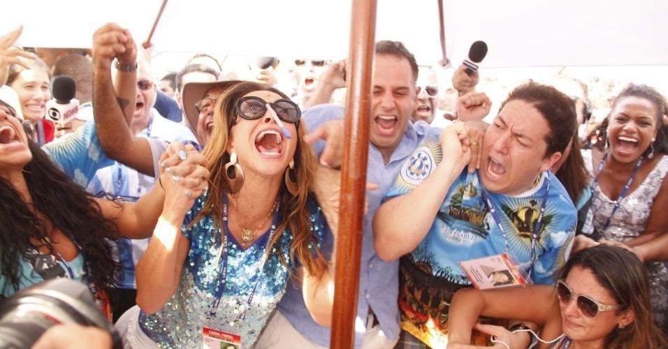 13.fev.2013 - Sabrina Sato se emociona no anúncio da vitória da Vila Isabel no Grupo Especial do Carnaval do Rio de Janeiro em 2013