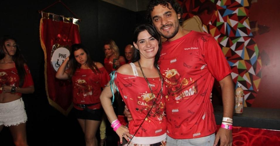 15.fev.2013 - Fani Feldman e Rui Ricardo Diaz no Camarote Brahma no desfile das campeãs do Carnaval de São Paulo, no Sambódromo do Anhembi