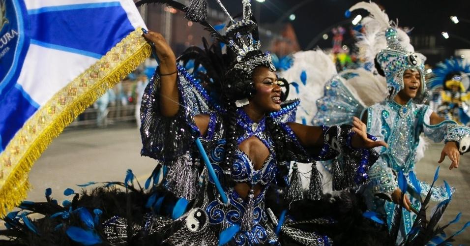 16.fev.2013 - Império de Casa Verde se apresenta no desfile das campeãs no Sambódromo de São Paulo
