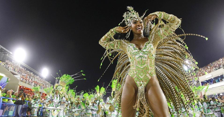16.fev.2013 - A Imperatriz Leopoldinense se apresenta no Desfile das campeãs, na Marquês do Sapucaí