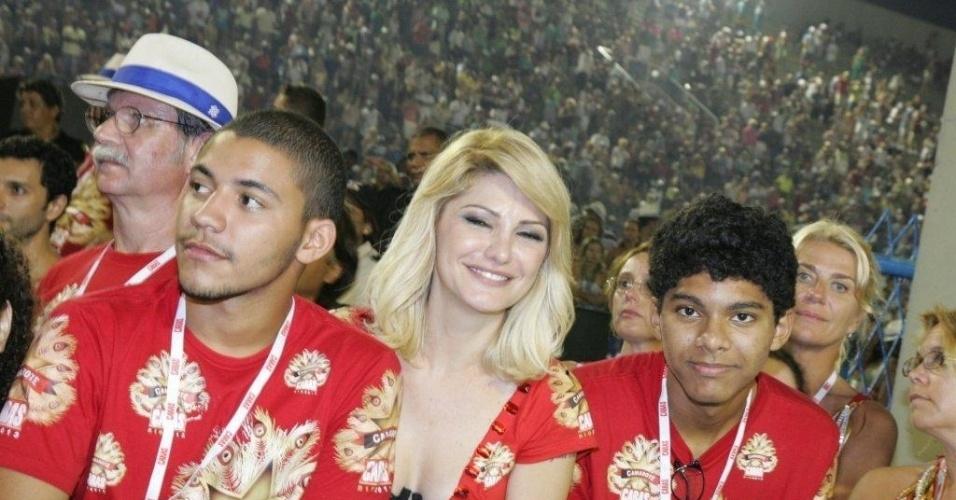 16.fev.2013 - Antonia Fontenelle em camarote durante o desfile das campeãs do Carnaval Carioca