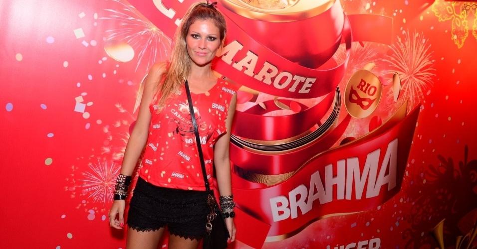 16.fev.2013 - Ellen Jabour em camarote durante o desfile das campeãs do Carnaval Carioca