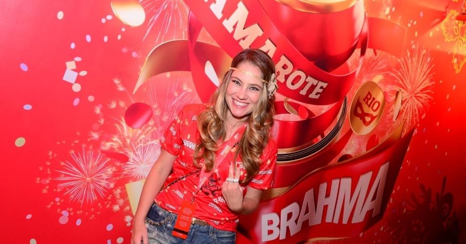 16.fev.2013 - Juliana Baroni em camarote durante o desfile das campeãs do Carnaval Carioca
