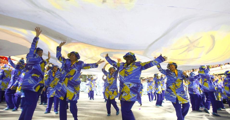 17.fev.2013 - 3ª colocada do Carnaval do Rio de Janeiro, a Unidos da Tijuca se apresenta na Marquês do Sapucaí