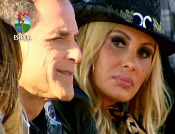 Ângela Bismarchi e Sylvinho Blau Blau, participantes de A Fazenda (29/5/12)