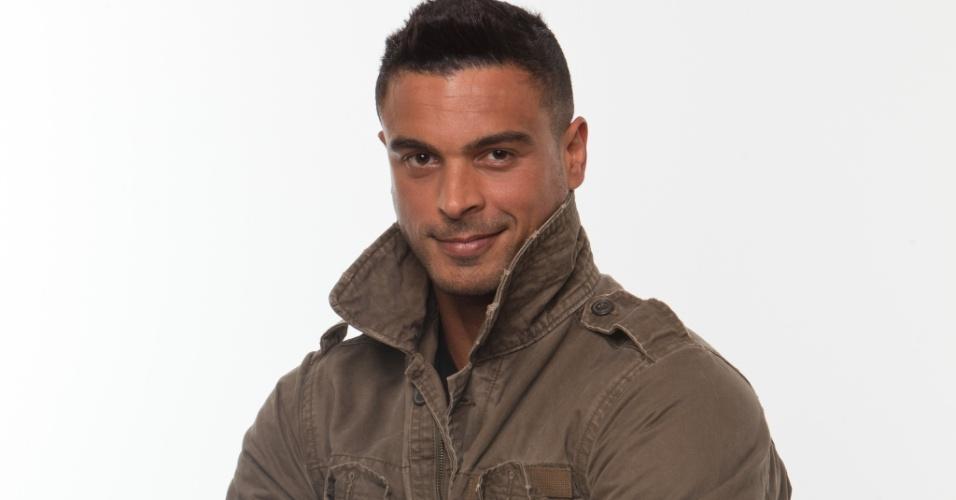 Gustavo Salyer, ator e modelo solteiro de 25 anos, tem fama de namorador e mora em Los Angeles, EUA