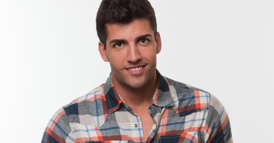 O baiano Diego Pombo, árbitro de futebol de 25 anos, que ganhou fama após ter cenas íntimas divulgadas na internet