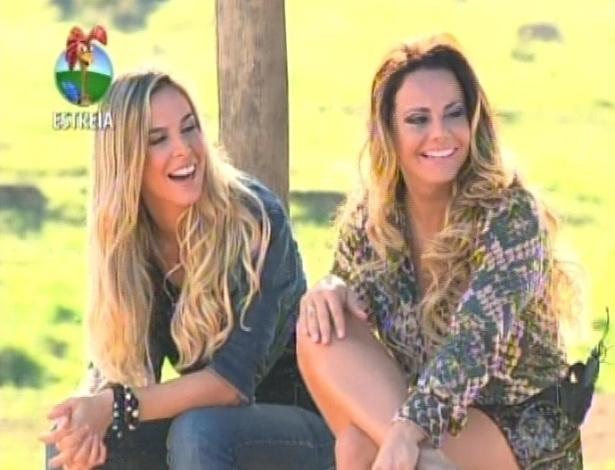 Viviane Araújo e Robertha Portella se divertem na chegada à Fazenda (29/5/12)