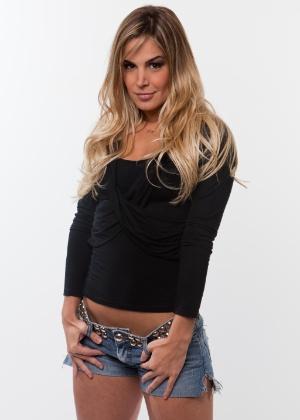 """Robertha Portella, 26 anos, foi dançarina do """"Domingão do Faustão"""" e teve um affair com o cantor Thiaguinho"""