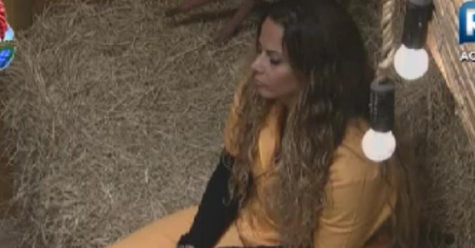 Viviane Araújo espera por prova já vestida com o uniforme (31/5/12)