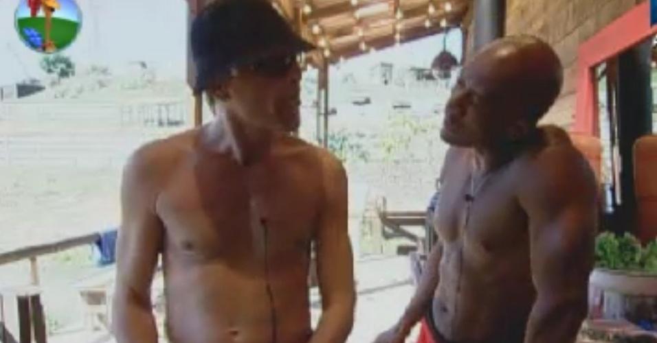 Sylvinho Blau-Blau e Lui Mendes criticam Penélope Nova (3/6/12)