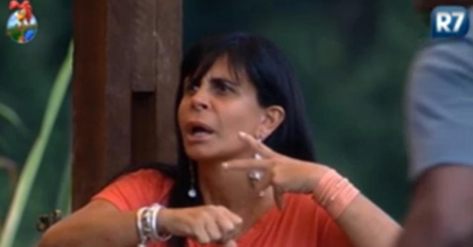 Gretchen critica Gustavo Salyer para peões do celeiro depois de discussão na sede(5/6/12)