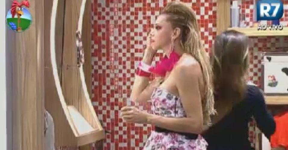 Léo Áquilla se maquia no banheiro (5/6/12)