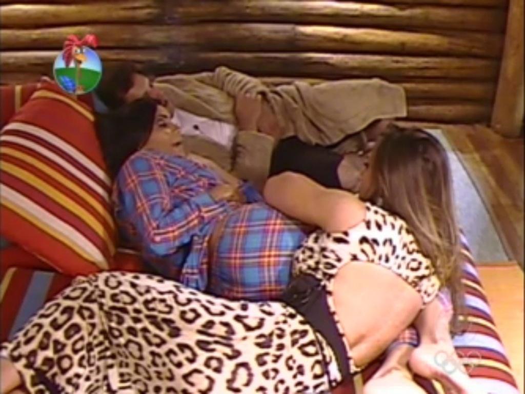 Shayene Cesário revela ter namorado homem 42 anos mais velho durante quatro anos (4/6/12)