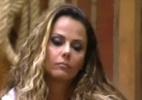 """Viviane Araújo ouve acusações de Nicole Bahls e fala que ex-panicat """"dá mole para todo mundo"""" - Record/ Reprodução"""