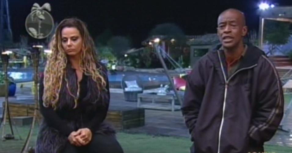 """Viviane Araújo e Lui Mendes se enfrentam na primeira roça de """"A Fazenda 5"""" (7/6/12)"""