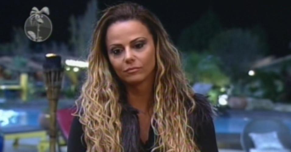 """Viviane Araújo enfrenta Lui Mendes na primeira roça de """"A Fazenda 5"""" (7/6/12)"""