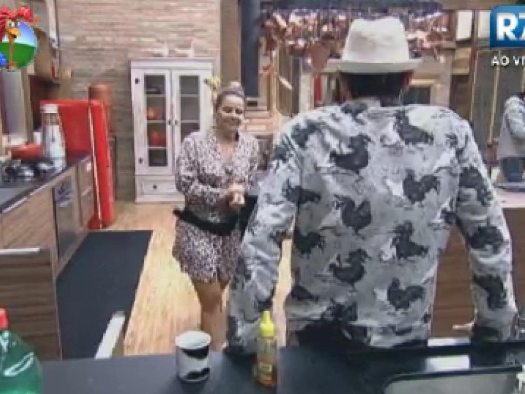 Viviane Araújo e Sylvinho Blau Blau conversma sobre Lui Mendes na cozinha (7/6/12)