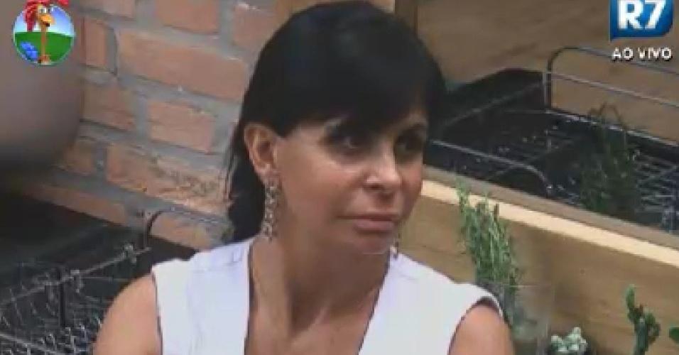 Gretchen conversa com Simone Sampaio na cozinha  (9/6/12)