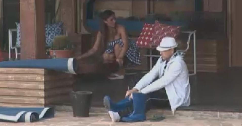 Nicole Bhals e Sylvinho Blau Blau conversam sobre rixa entre Gretchen e Vavá  (9/6/12)