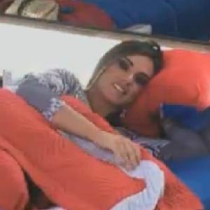 Nicole Bahls troca olhares com Gustavo Salyer (10/6/12)