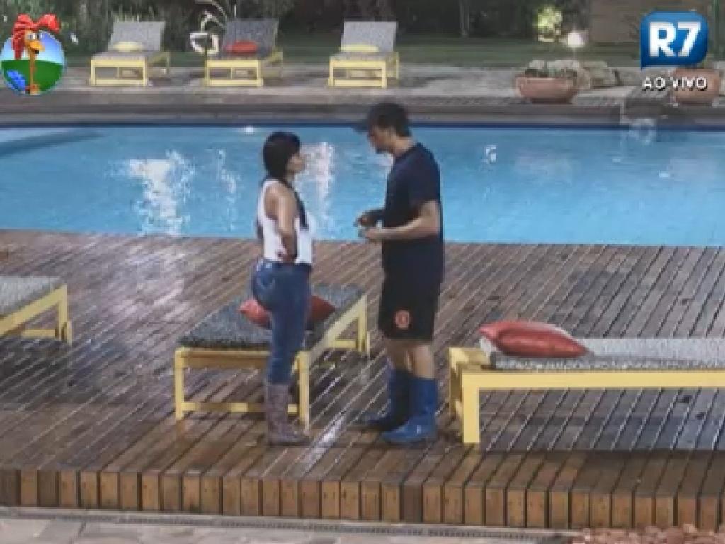 Gretchen fala para Sylvinho que Penélope