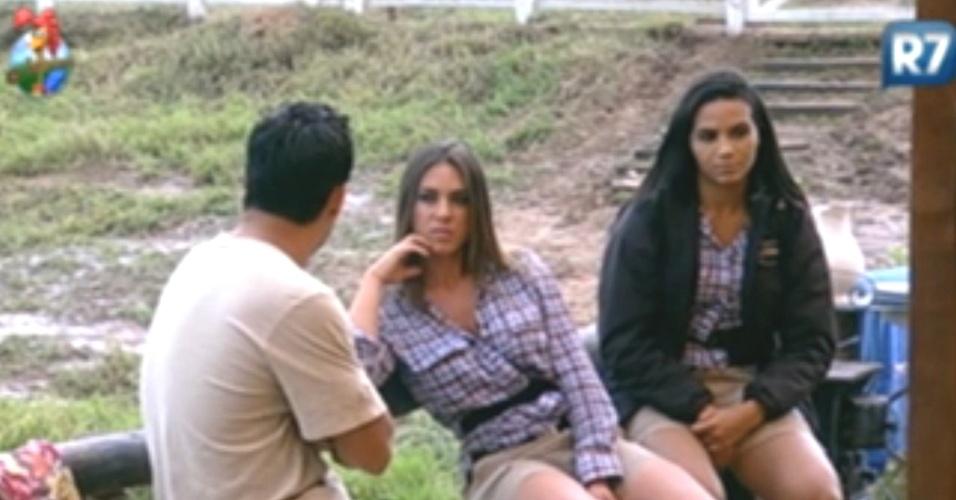 Nicole Bahls relembra época em que trabalhou como panicat em conversa com Vavá (11/6/12)