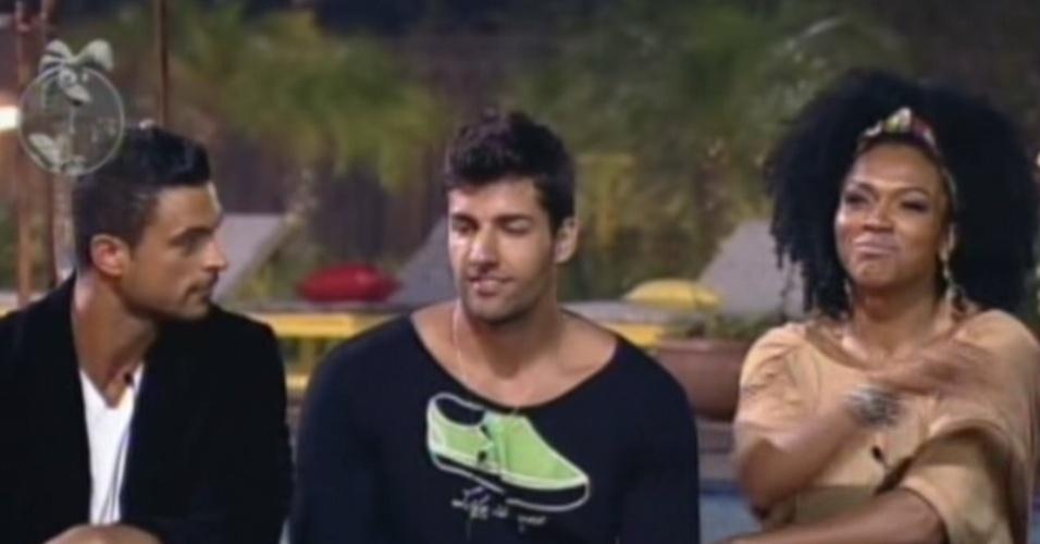 Diego Pombo, Gustavo Salyer e Simone Sampaio foram mandados para a roça nesta terça-feira (12/6/12)