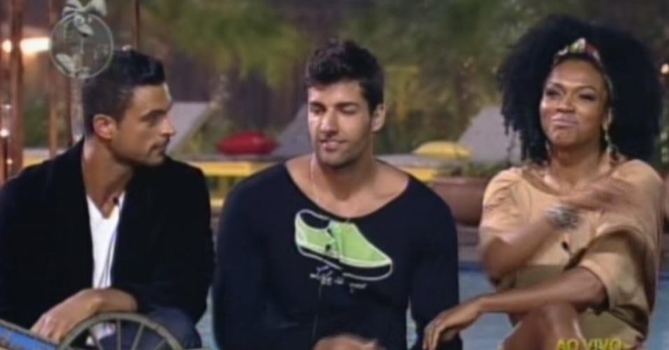 Gustavo Salyer, Diego Pombo e Simone Sampaio são escolhidos pelos peões para a roça (12/6/12)