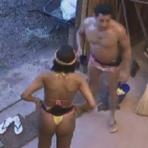 Vavá reclama de Gretchen para Shayene Cesário (12/6/12)