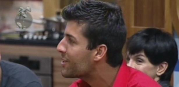 Diego Pombo aparece no programa ao vivo desta quarta-feira (13/6/12)