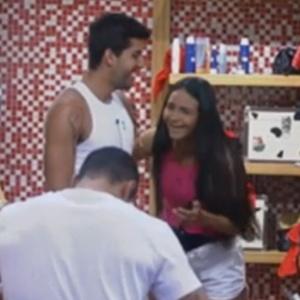 Shayene conta para Diego que sonhou com ele (14/6/12)
