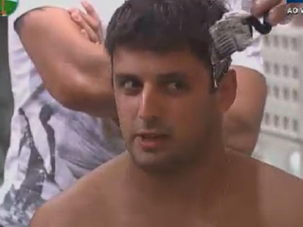 Rodrigo Capella descolore os cabelos e diz que quer ficam