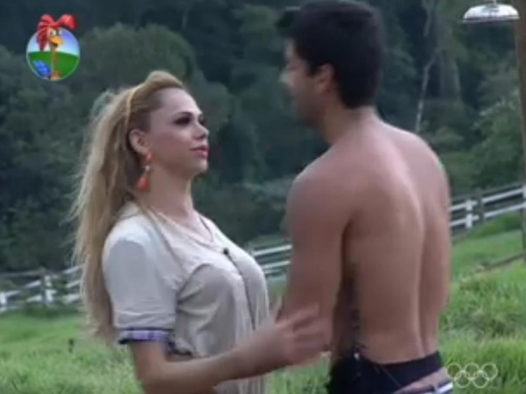 Léo Áquilla conversa com Diego Pombo sobre problemas com sexualidade (18/6/12)