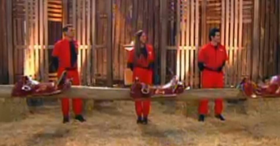 Sylvinho Blau Blau, Nicole Bahls e Felipe Folgosi disputam a primeira parte da prova do fazendeiro (20/6/12)
