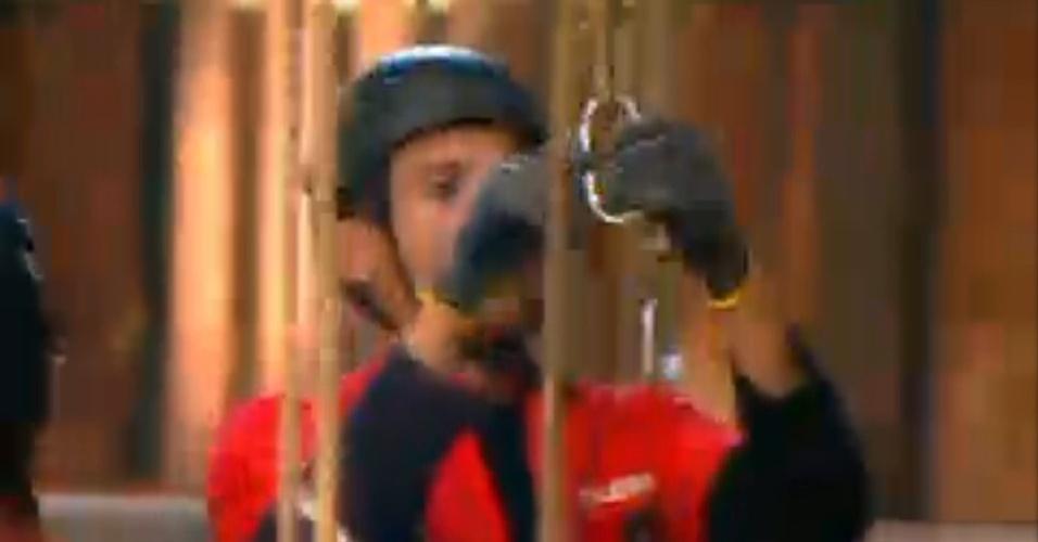 Sylvinho Blau Blau tira estribo de corda durante prova (20/6/12)