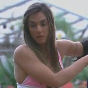 Nicole Bahls conversa com Shayene Cesário sobre seu voto para a roça (22/6/12)