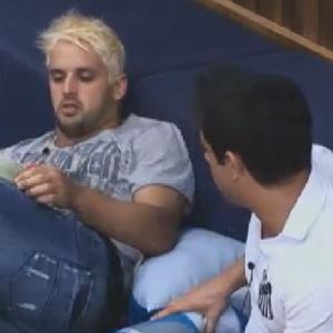 Rodrigo Capella revela opções de voto para Vavá (21/6/12)