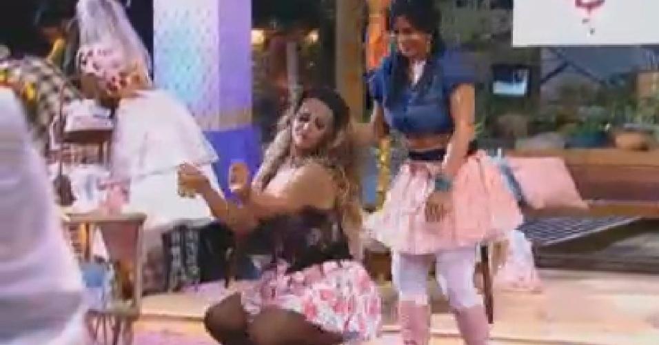 Gretchen e Viviane Araújo mostram o rebolado na festa desta sexta-feira (22/6/12)