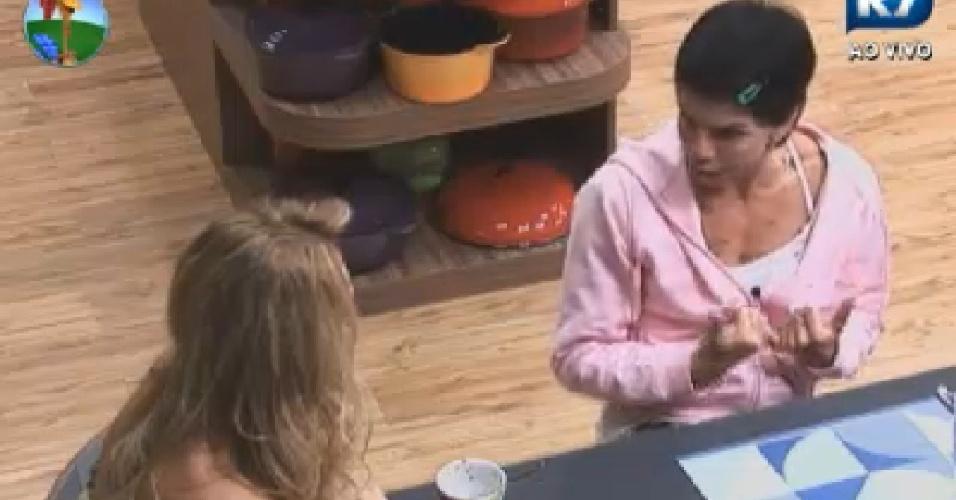 Penélope Nova fala com Léo Áquilla na cozinha (25/6/12)