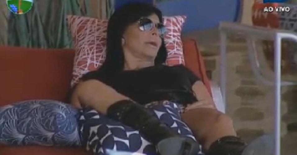 Gretchen diz que não tem nada o que falar para Robertha Portella (27/6/12)