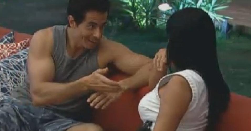 Felipe Folgosi diz para Gretchen que não quer ser pressionado a assumir lados no jogo (28/6/12)