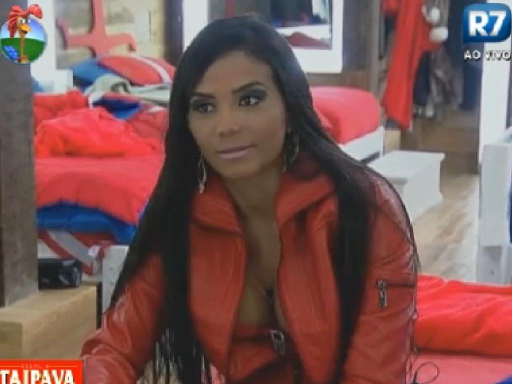 Shayene Cesário diz que Nicole Bahls é uma mulher problemática (28/6/12)